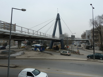 image: cable-stayed bridge