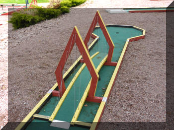 Minigolf bridge